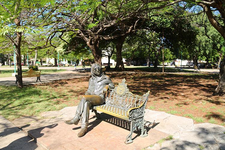 ハバナ ジョンレノン公園 キューバ