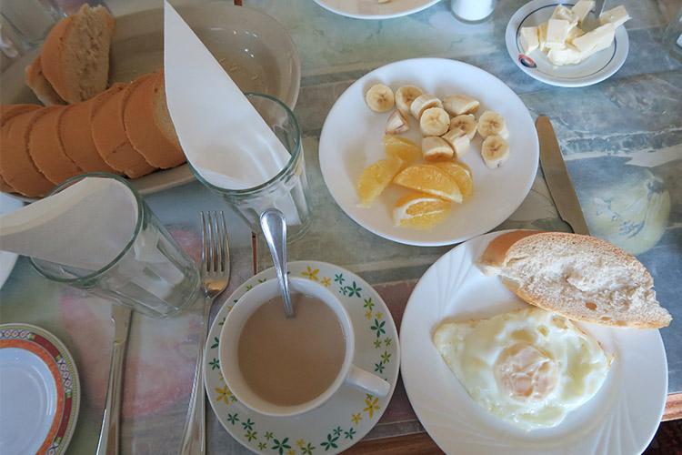 トリニダー レオとヤミの家 朝ご飯
