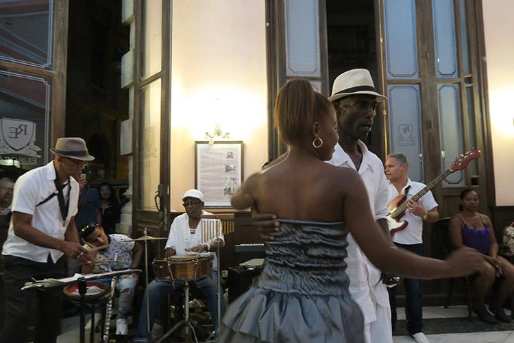 ハバナ EUROPA レストラン サルサ