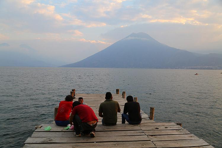 アティトゥラン湖 サンマルコス おすすめ 宿