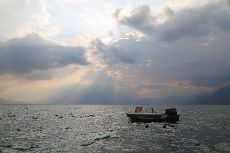 アティトゥラン湖 世界一美しい湖 グアテマラ