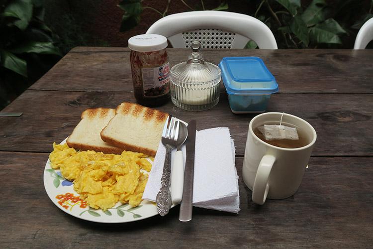 ホステル 朝ご飯 パナハッチェル