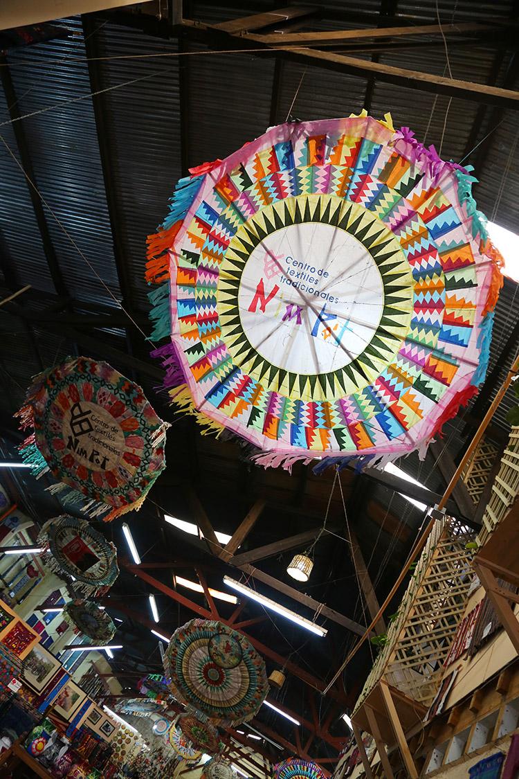 サンティアゴ・サカテペケス 死者の日 お祭り 凧