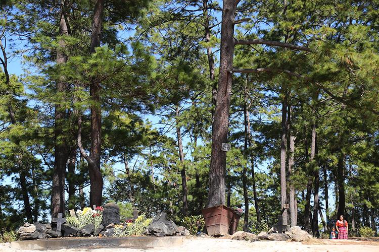 チチカステナンゴ パスクアル・アバフの丘