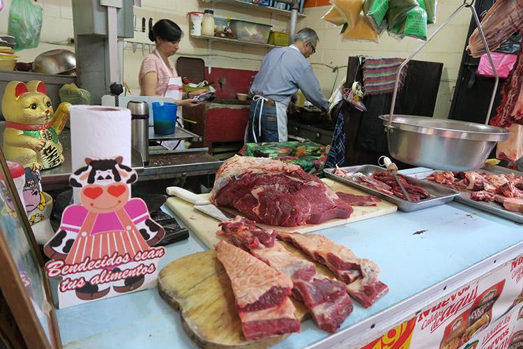 アンティグア 市場 カツ丼 日本食