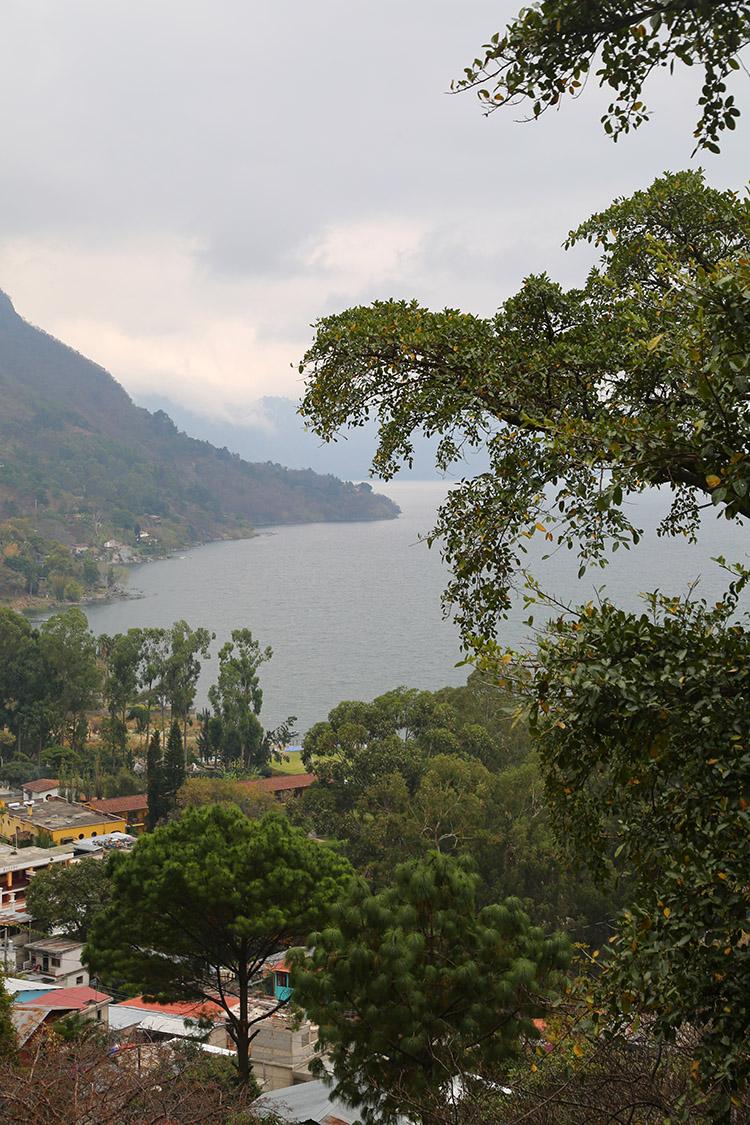 サンタ・カタリーナ・パロポ アティトゥラン湖