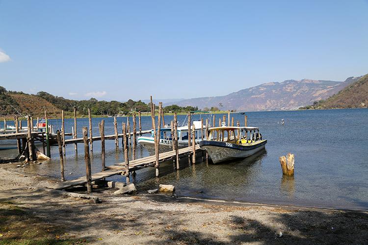サン・ルーカス・トリマン アティトラン湖