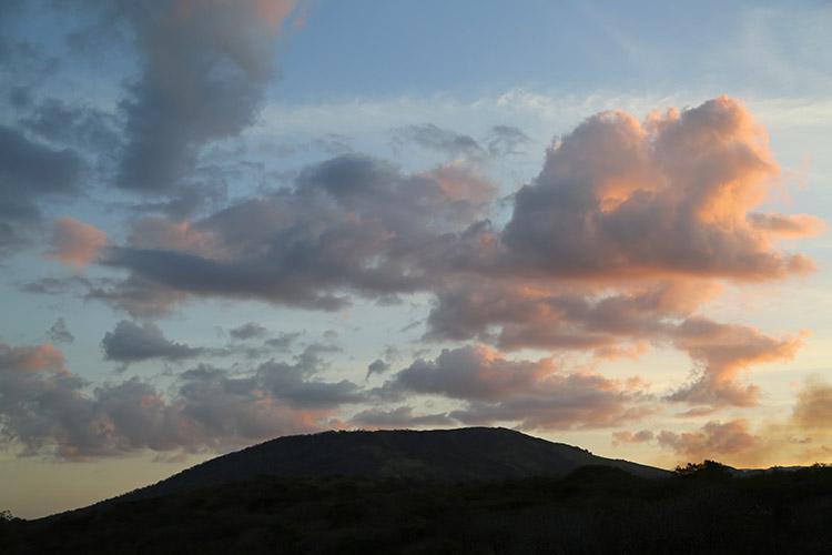 ニカラグア グラナダ マサヤ火山