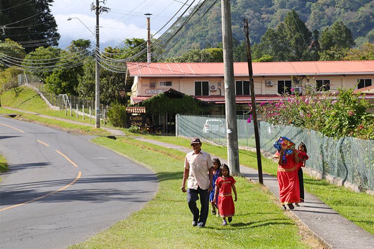 パナマ ボケテ グアイミー族