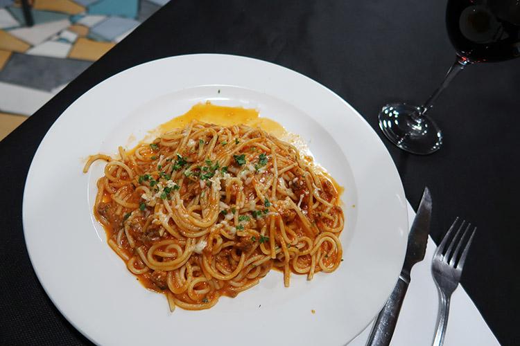 パンプローナ ペルグリーノメニュー 食事