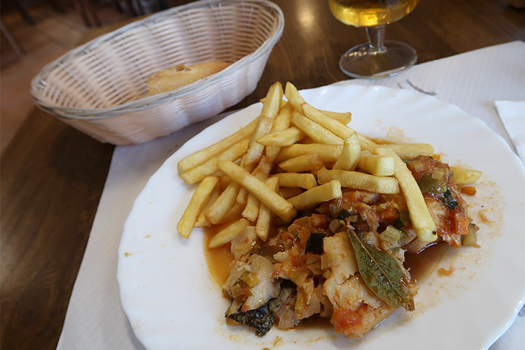 カミーノブログ スペイン巡礼 ventosa 食事