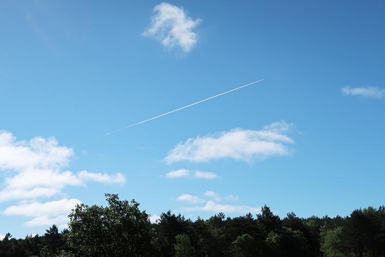 カミーノブログ サンティアゴ巡礼 飛行機雲