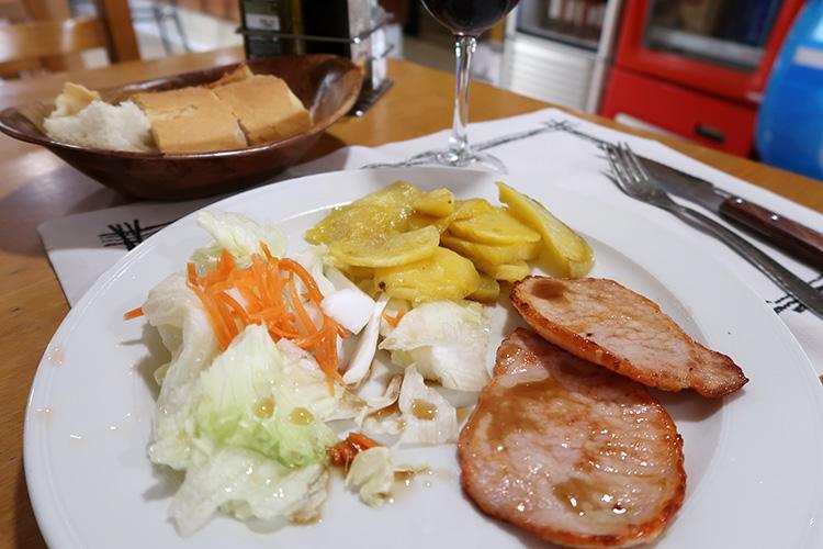 カミーノブログ サンティアゴ巡礼 Ages 食事
