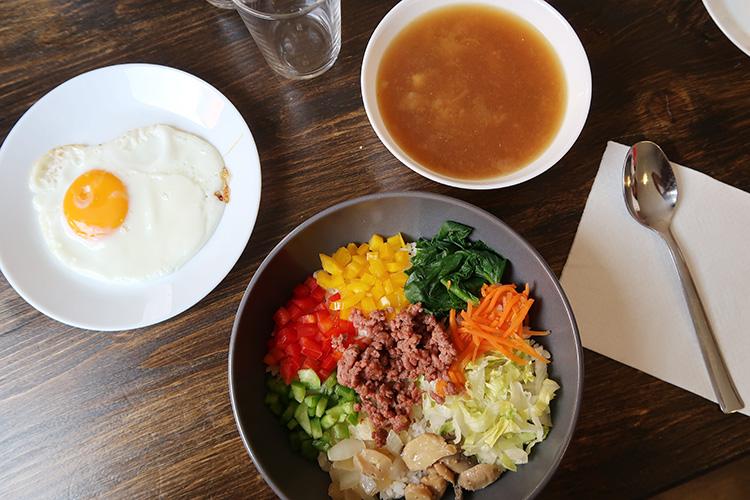 カミーノ 韓国料理 おすすめアルベルゲ カストロヘリス