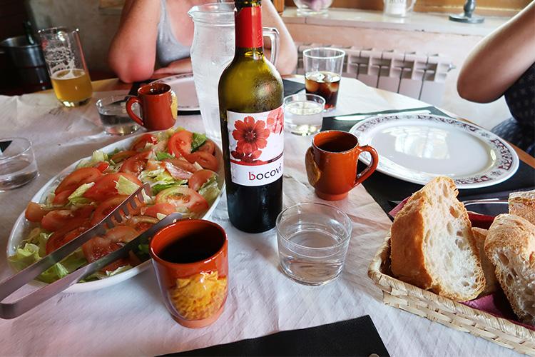 カミーノ 一番おすすめアルベルゲ 神宿 安い La Finca