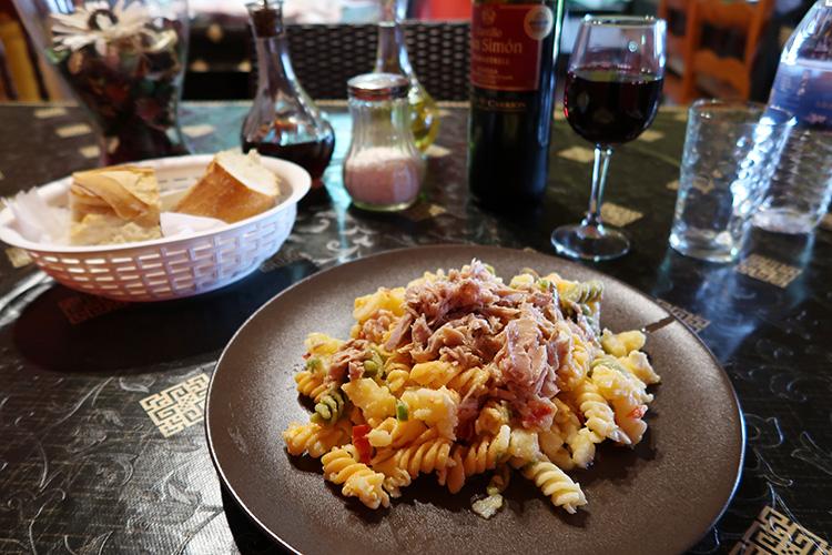 レオン Valverde アルベルゲ 食事