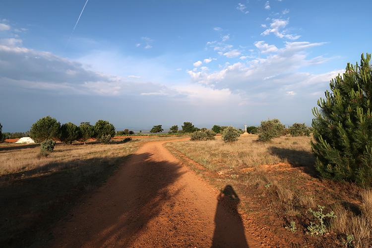 カミーノ Santo Toribio 十字架の丘