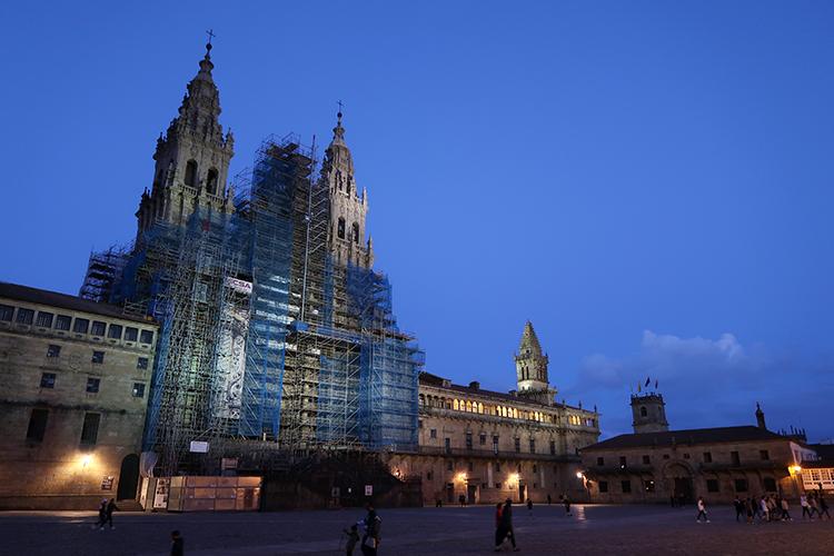 サンティアゴ・デ・コンポステーラ大聖堂 夜景 ライトアップ