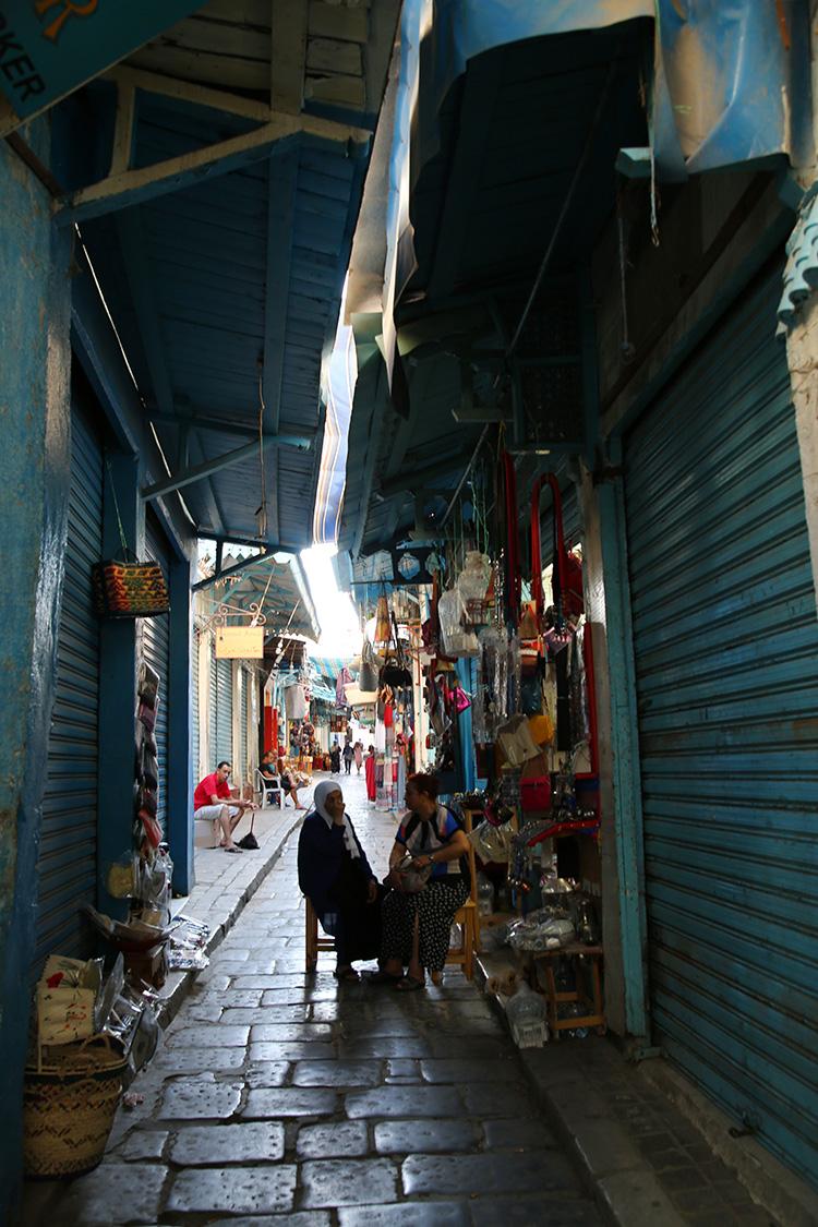 チュニス メディナ 旧市街 散策