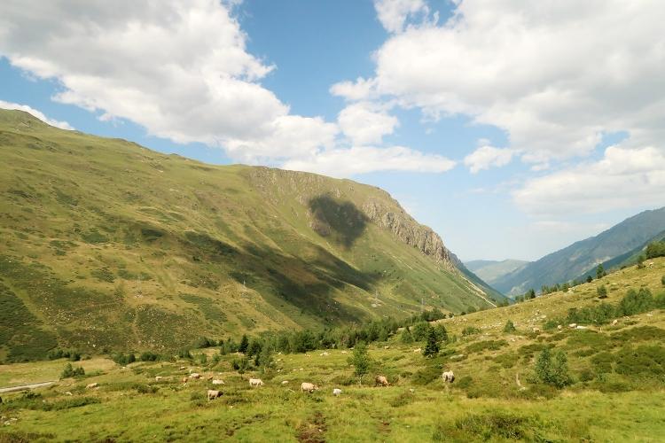 ピレネー山脈 アンドラ公国からトゥールーズ バス