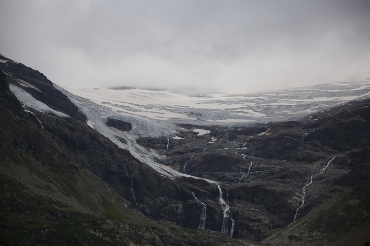 ベルニナ急行 スイス 観光列車 氷河