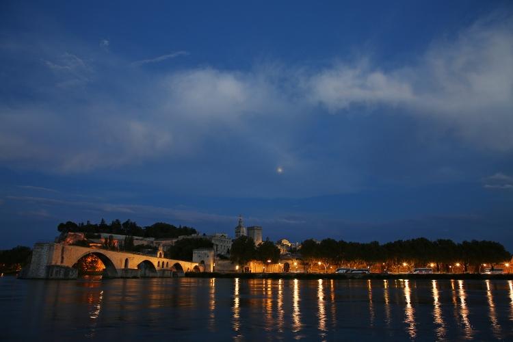アビニョン 夜景 ライトアップ サン・ベネゼ橋