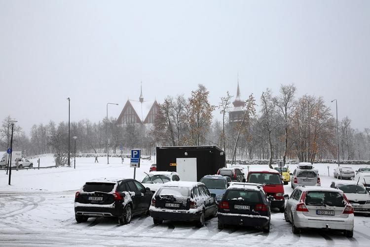 キルナ 積雪 冬 レンタカー スウェーデン
