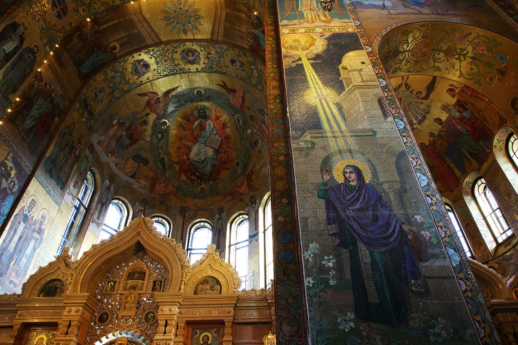血の上の救世主教会 サンクトペテルブルク 内側