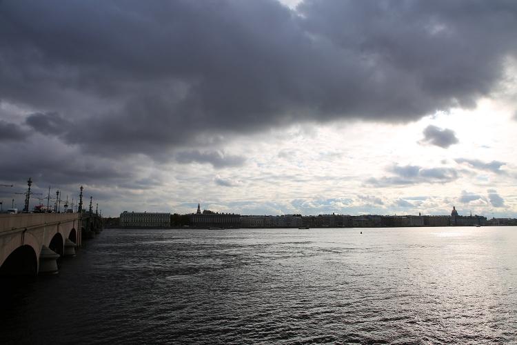 サンクトペテルブルク ネヴァ川 トロイツキー橋