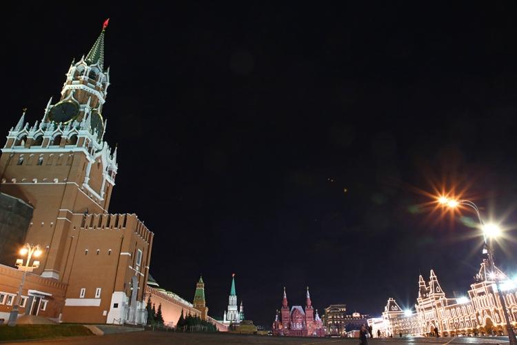 モスクワ 赤の広場 ワシリー寺院 ライトアップ