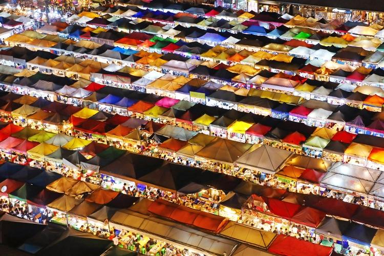 ラチャダーマーケット バンコク