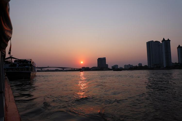チャオプラヤ川 夕日