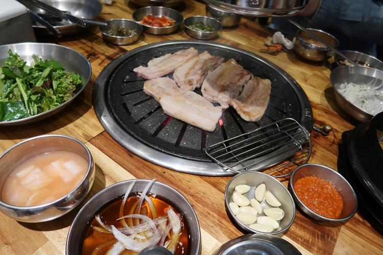 釜山 韓国グルメ サムギョプサル