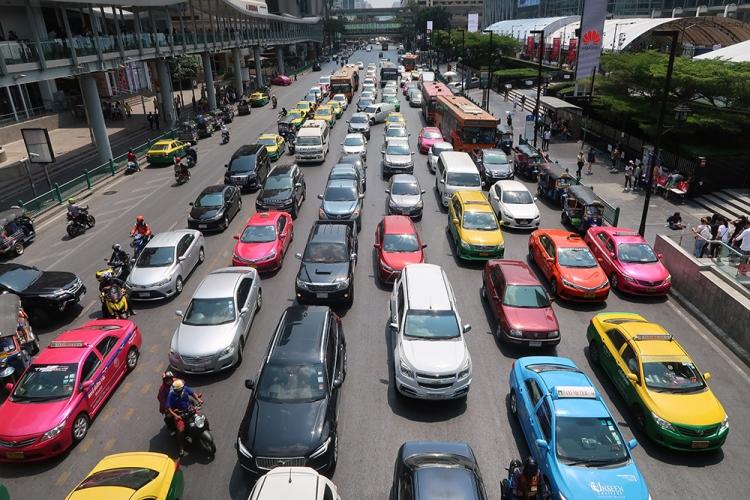 バンコク 渋滞 問題