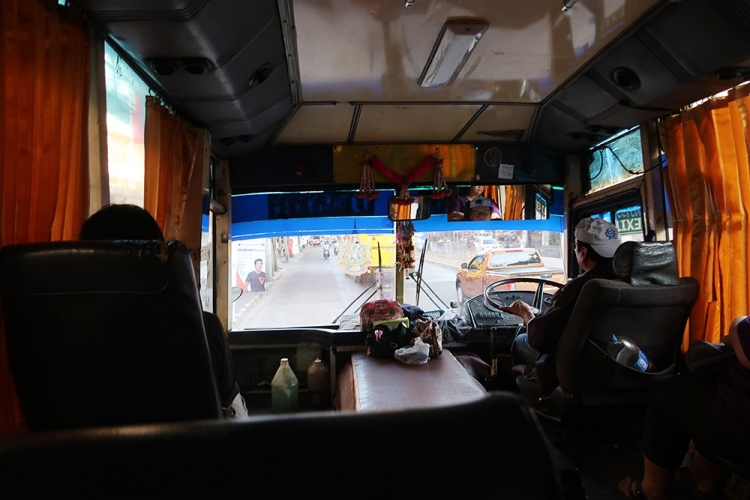 ドンムアン空港 カオサン 直通バス