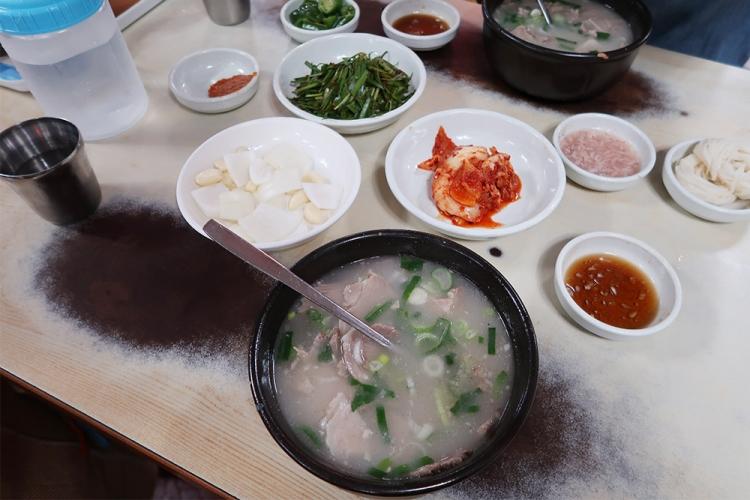 釜山 朝食 お粥